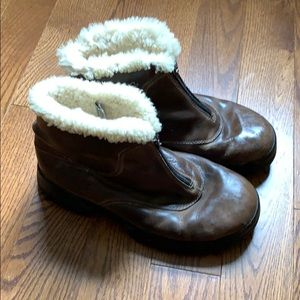 Ugg lambskin lined winter booties with zippers